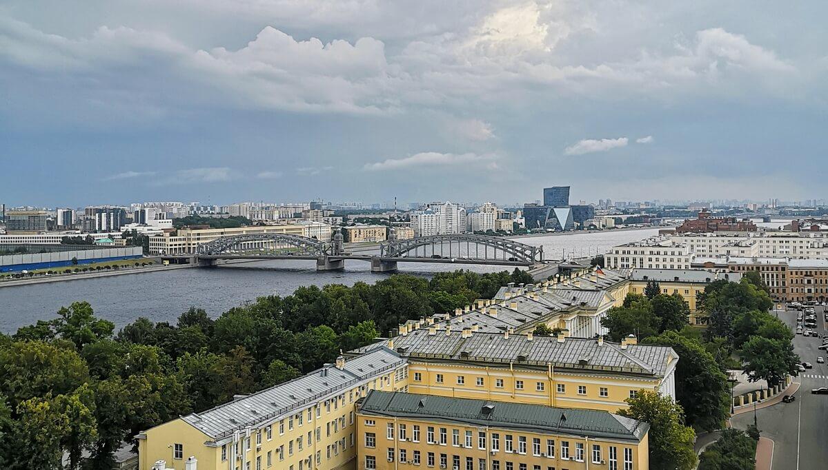 Вид на Неву и Большеохтинский мост