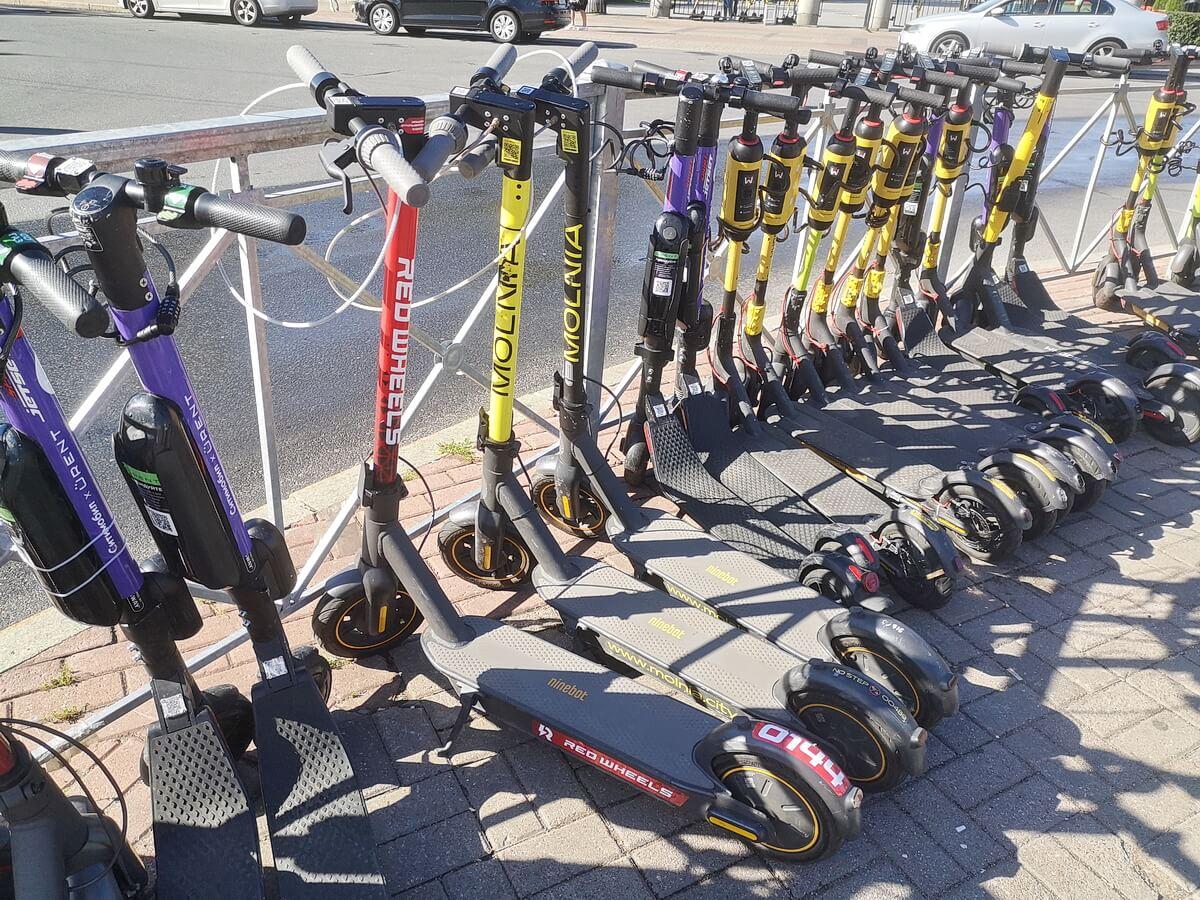 Парковка электросамокатов