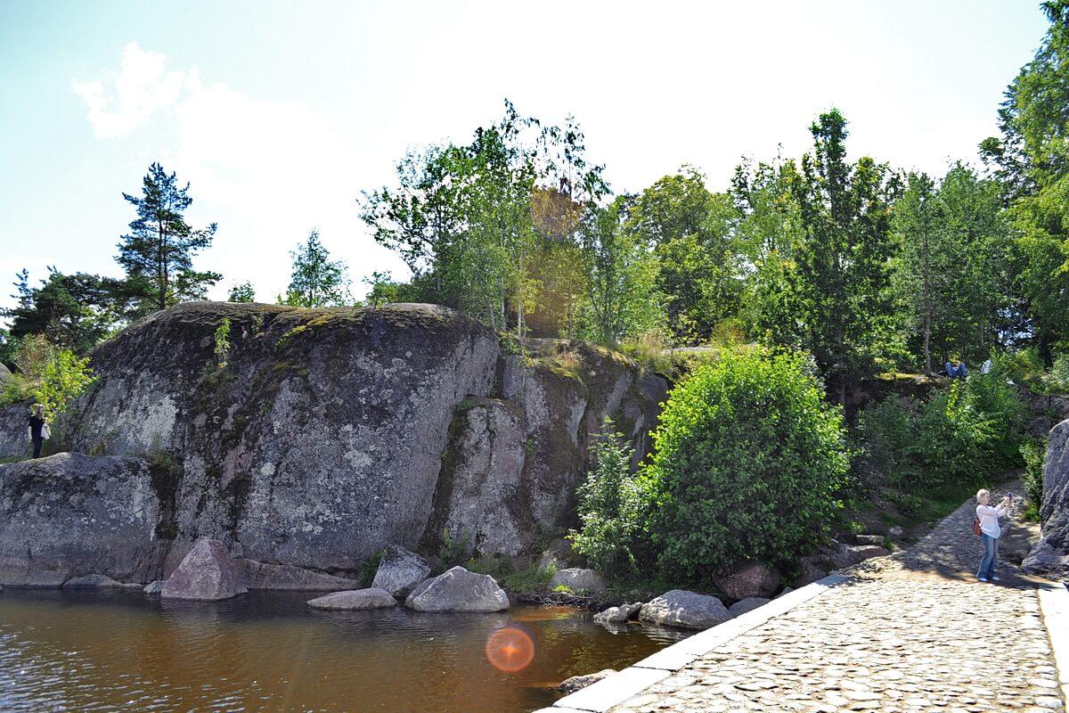 Скалы бухты Защитная