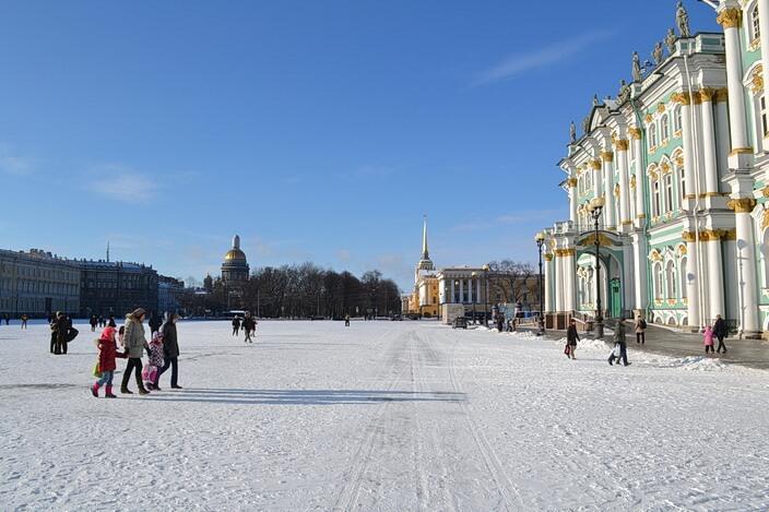 Дворцова площадь зимой