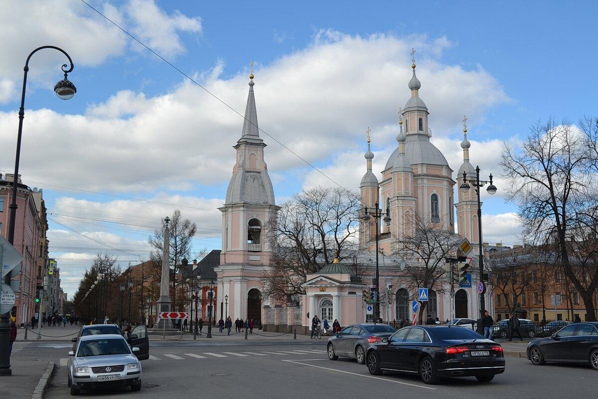 Одна из церквей на Васильевском острове