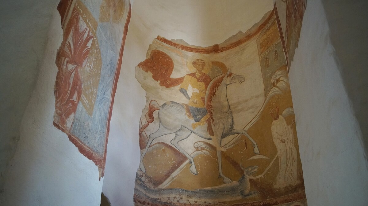 Фреска Георгий Победоносец поражает змея