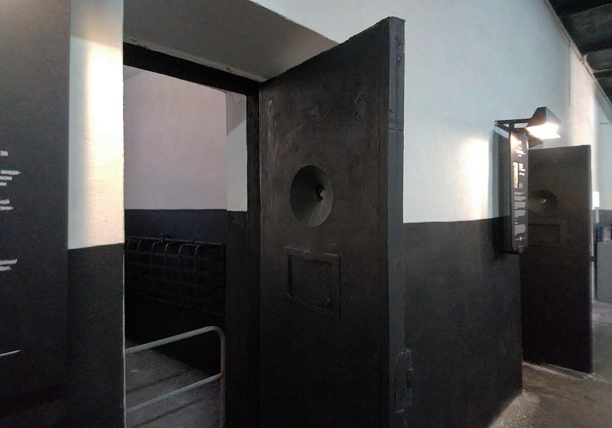 Тюрьма в крепости Орешек