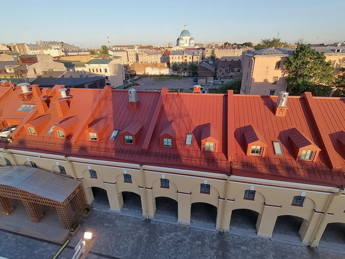 Вид с башни Никольских рядов на Троицкий собор