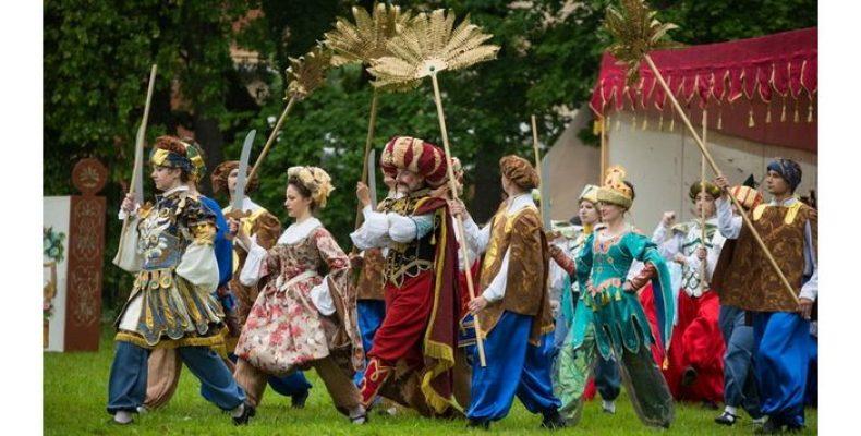 Фестиваль «Александрийская карусель» пройдет в Петергофе 30 июня и 1 июля