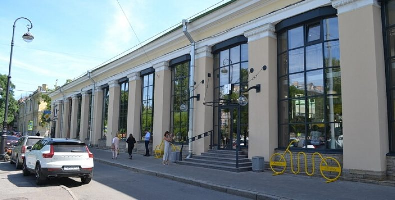 В Петербурге в Андреевском рынке открылся первый фуд-холл