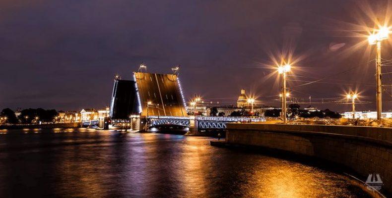 Развод мостов в Петербурге в 2021 году начался с 10 апреля