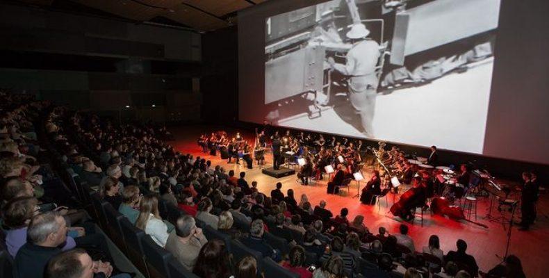 Концерт-киношоу «Человек с киноаппаратом» 23 сентября в Экспофоруме