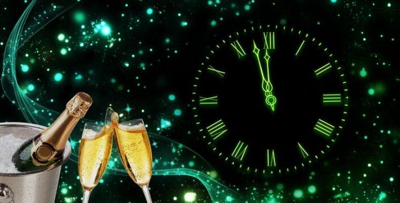 Очень необычная экскурсия: «Новогодняя ночь-2020 на улицах Петербурга»