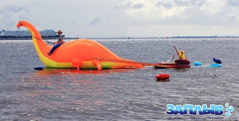 Шоу плавательных самоделок «Заплыв» в Парке 300-летия 17 августа