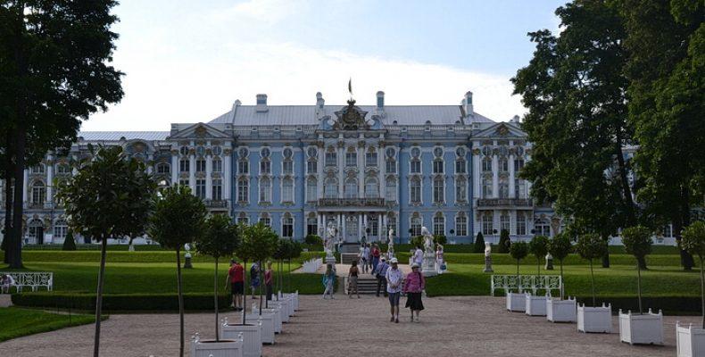 Екатерининский дворец в Царском Селе сократил экспозицию