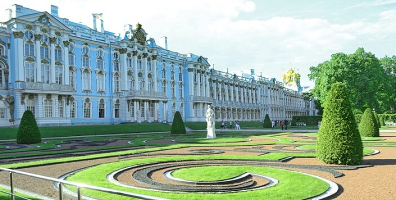 Екатерининский и Павловский дворцы снова открыты