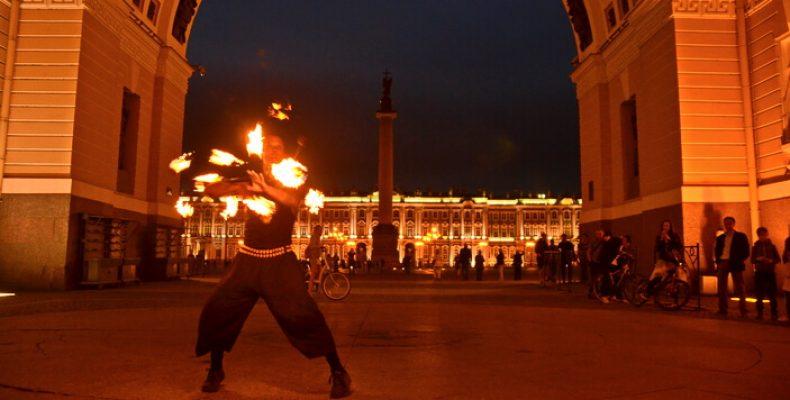 Огненное шоу у Дворцовой