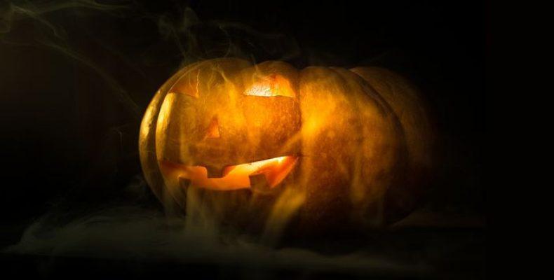 Всемирный Хэллоуин: где в Петербурге можно отметить праздник
