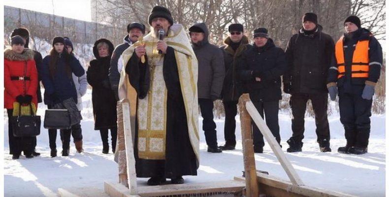 Купание в проруби на Крещение: адреса купален в СПб и Ленобласти и меры предосторожности