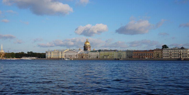 Что работает в Петербурге в августе