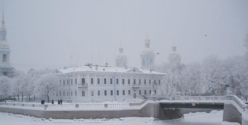 Погода в Петербурге: и снова снег