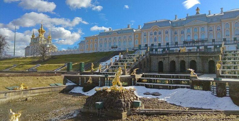 «Петергоф» закрыл парки на просушку до 25 апреля 2020 UPDATE