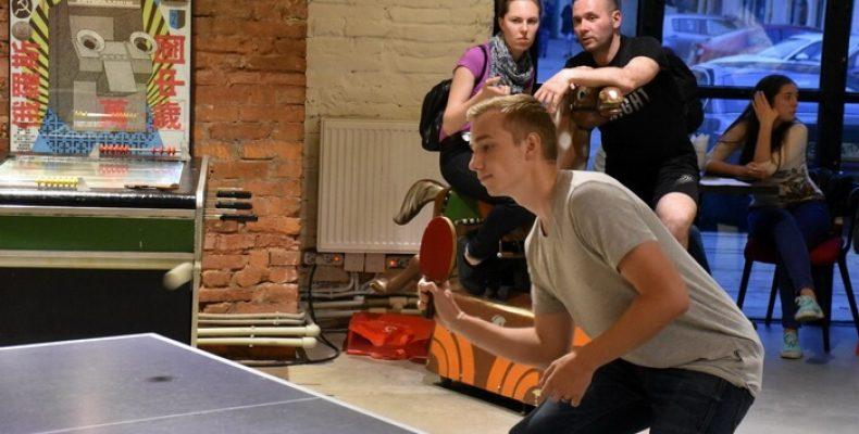 Гуманитарная дискотека Артемия Троицкого и финал Ping-Pong Battle