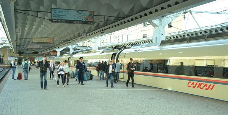 «Сапсан» довезет в Петербург дешево на майские праздники