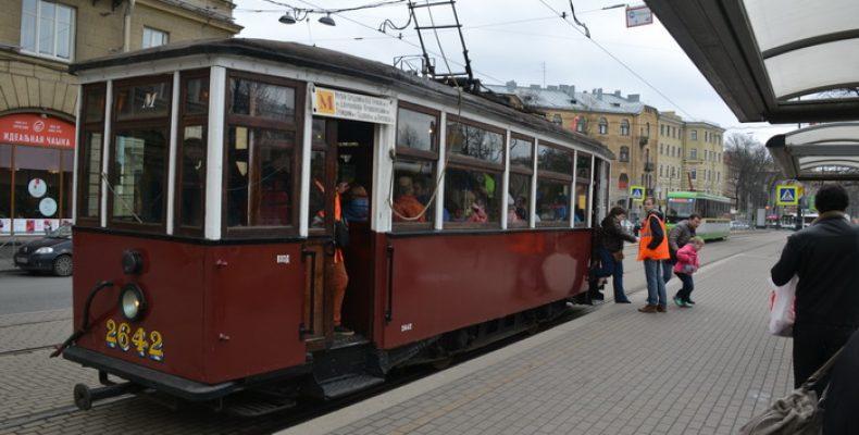 Ретро трамвай в Петербурге возвращается на экскурсионный маршрут