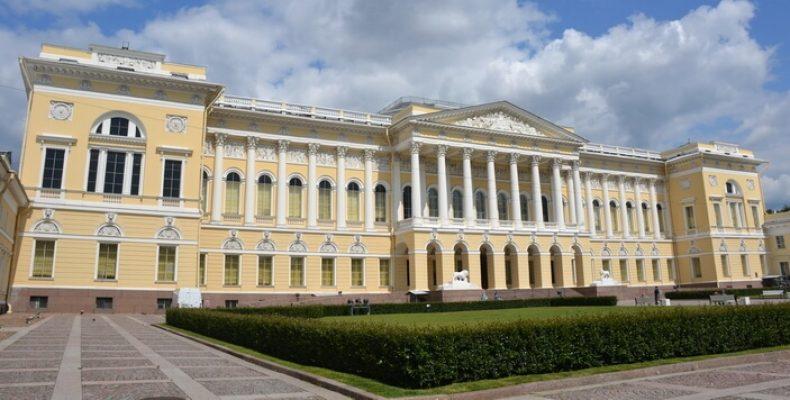 Как правильно выбрать экскурсию в Петербурге