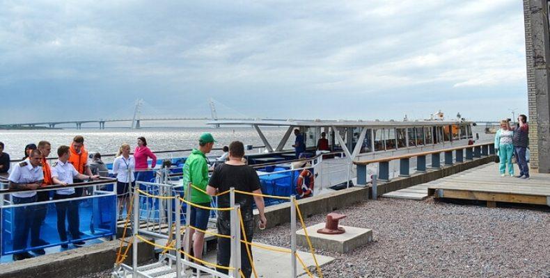Водные прогулки запущены с причала «Севкабель Порт»