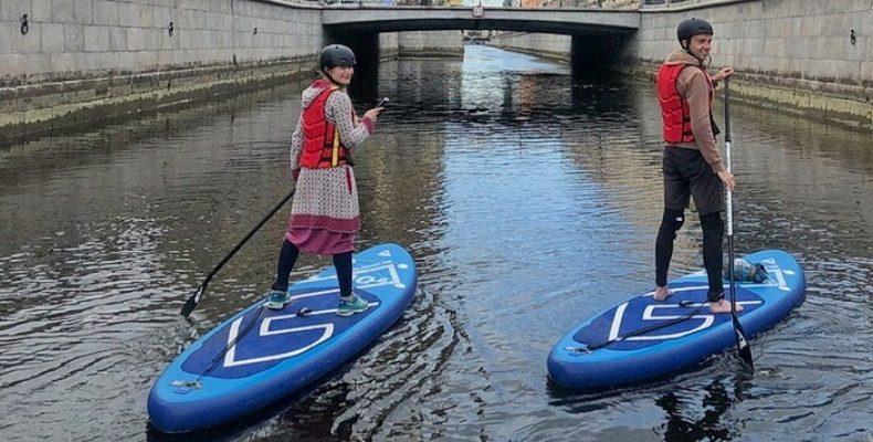 В Петербурге появились ОЧЕНЬ ранние экскурсии на SUP-досках