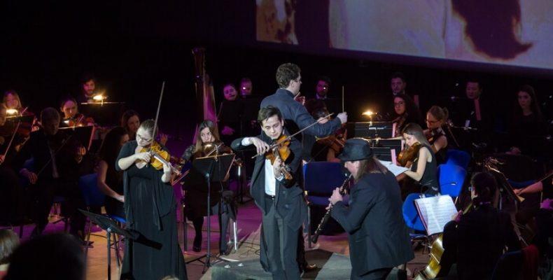 Оркестр «Таврический» сыграет музыку к мировым киношедеврам в «Экспофоруме» 16 ноября
