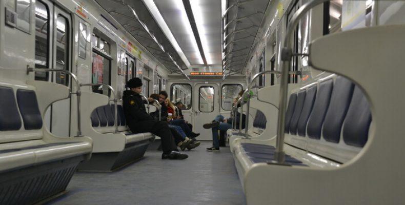 Неписаные правила и нормы поведения в метро СПб