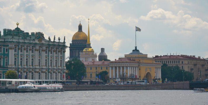 «Экскурсии по Петербургу и другим городам? С нами это просто и надёжно»